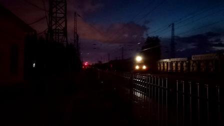 20200528 203621 【延时摄影】阳安线HXD2货列通过王家坎站