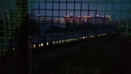 20200523 200305 【冒雨拍车】阳安线客车K257次列车出汉中站