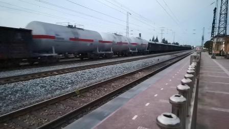 20200528 200400 阳安线HXD2货列通过王家坎站