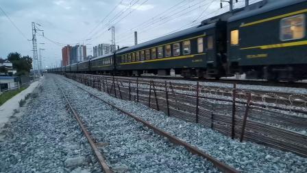 20200601 195443 阳安线客车K257次列车进汉中站