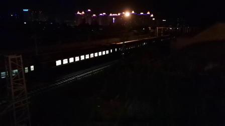 20200603 213421 阳安线客车K205次列车晚点半小时出汉中站