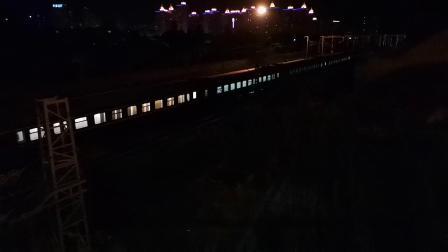 20200603 214859 阳安线客车K351次列车出汉中站