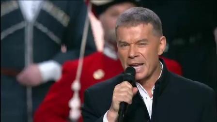 """""""西伯利亚的团""""。(""""哥萨克会""""(""""哥萨克圈"""")民间艺术团和•奥列格 •加兹马诺夫•(Oleg Gazmanov)唱)。全是俄语。"""