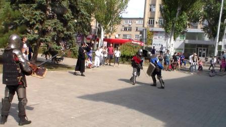 (18+)骑士比武(长矛比武,骑士锦标赛)在顿涅茨克市青少年中心。第三辑(第3辑)。2020.07.08。全是俄语。  Рыцарский турнир