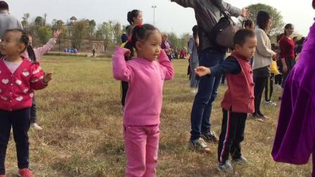 容容在幼儿园的秋游活动