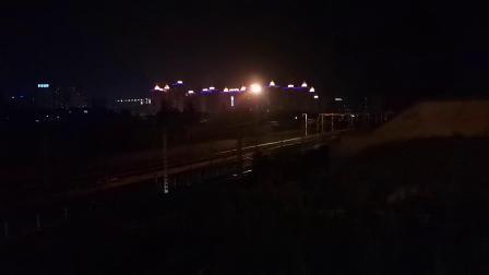 20200607 212446 阳安线客车K205次列车出汉中站