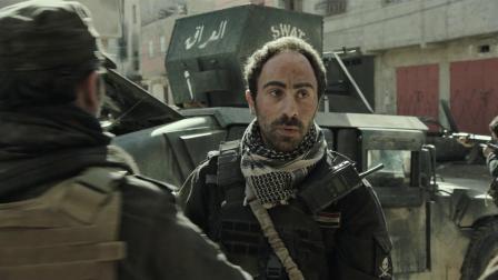 伊拉克军人为如何处置敌方战俘而产生激烈争吵