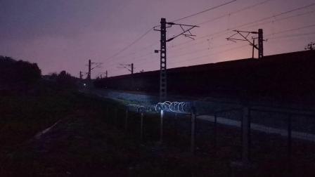 20200615 203140 阳安线HXD2货列出汉中站