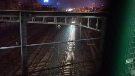 20200615 213631 西成高铁D6869次列车出汉中站进汉中动车场