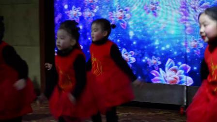 5.幼儿舞蹈《你笑起来真好看》潜山九星野寨幼儿园2021元旦活动