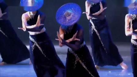2019第十二届荷花奖舞蹈大赛成品舞群舞民族民间舞比赛视频 《陶醉了》
