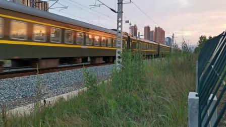 20200617 195714 阳安线客车0K262次列车出汉中站