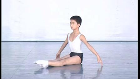 北舞附中古典舞舞蹈基础基本功示例课 男班1年级第1学期1 地面训练