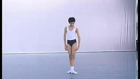 北舞附中古典舞舞蹈基础基本功示例课2年级第2学期2 把下训练