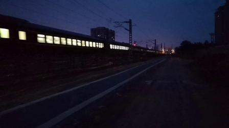 20200625 203806 阳安线客车K205次列车早点进汉中站