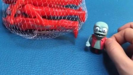 僵尸和巨人僵尸邀请奥特曼来了,他们要出去了,小僵尸来帮忙