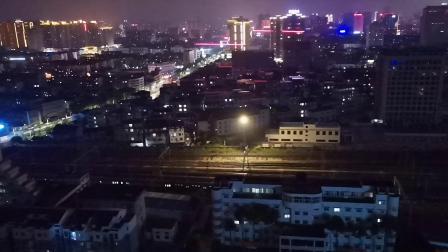 20200627 204418 阳安线客车K205次列车进汉中站