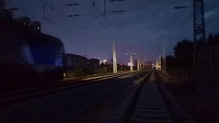 20200703 203533 阳安线客车K205次列车进汉中站