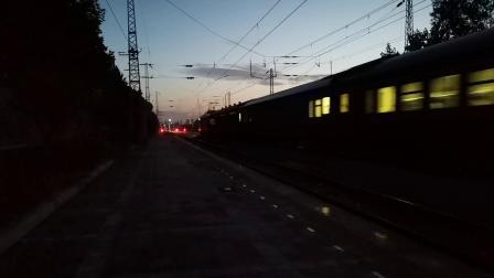 20200707 203535 阳安线客车K205次列车早点通过王家坎站