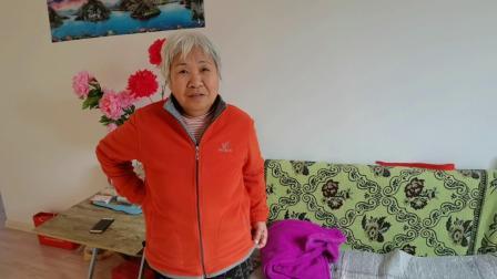 一个近80岁朝鲜族老人在乳山银滩的快乐生活