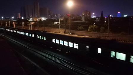 20200709 211305 阳安线客车K205次列车出汉中站