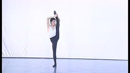 北舞附中古典舞舞蹈基础基本功示例课4年级第2学期2 把下训练
