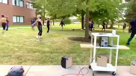 modern dance class turned the outdoors