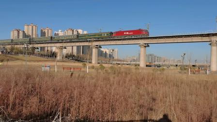20210117_091408 西康铁路 西局西段HXD3D-0098牵引K1034次(贵阳-西安)加速通过灞桥湿地公园