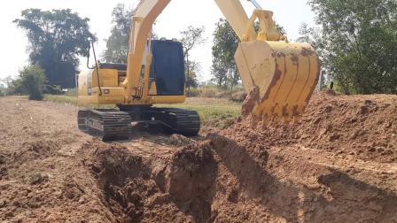 小松pc130-10mo挖掘机 EP.7950 (1080p)