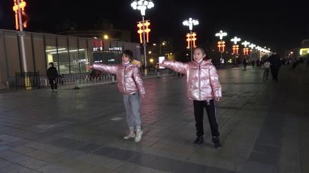 馨瑶和熙瑶曳步舞串烧  2021-01-17