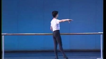 北舞附中古典舞舞蹈基础基本功示例课5年级第1学期1 扶把练习