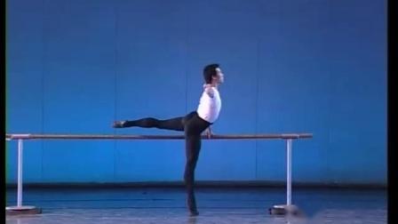 北舞附中古典舞舞蹈基础基本功示例课5年级第2学期1 扶把练习
