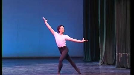 北舞附中古典舞舞蹈基础基本功示例课5年级第2学期2 中间练习