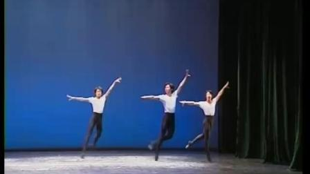 北舞附中古典舞舞蹈基础基本功示例课6年级 中间训练