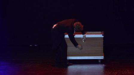 Eccentric magicians Miss Paulina  Mr Alex_1080p