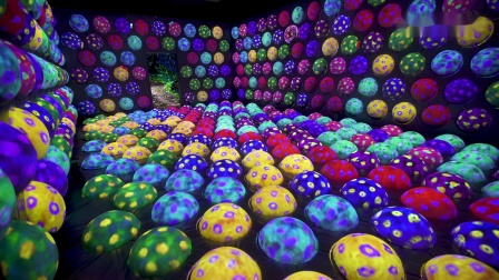 快速旋转跳跳球之毛毛虫小屋 / Rapidly Rotating Bouncing Sphere Caterpillar House