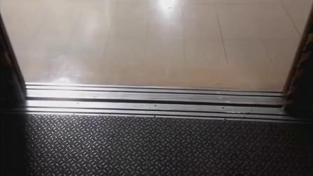 东京阳光城60商场货梯改造前后