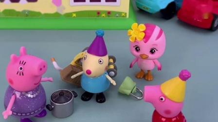 佩奇让小兔瑞贝卡出去,还给她玩具,要和小丽玩了