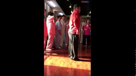 傅清泉老师精讲太极拳的肘 靠在背 立身中正正面看左右 不是看侧面  你们都理解错了