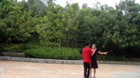 020春山广场舞双人舞恰恰爱你就是真心喜欢_1611149650151.mp4