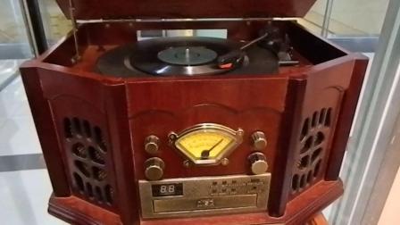 留声机听黑胶老唱盘