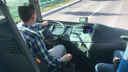 试驾中置客车的颠峰 VOLVO B12M