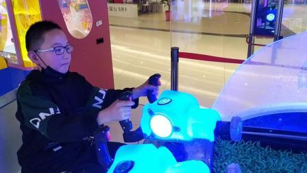 SM广场打游戏!
