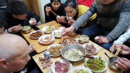 2021年春节全家人欢聚郑州