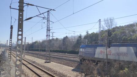 电力客车K1155(成都-上海)林场站一道通过