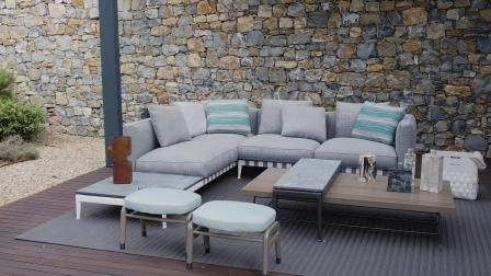Flexform | 因佩里亚海湾上的别墅