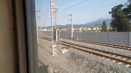 20200727 072423 阳安线客车8361次列车通过勉县站交汇HXD2运粮专列