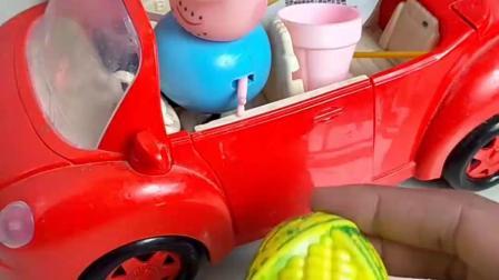 猪爸爸开车出来转悠,路上捡到了很多东西,要成为保护环境的人