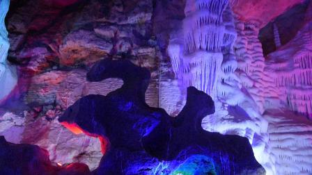 20210221泰山大裂谷钟乳石 (1)