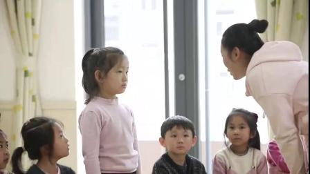 大班社会《传递微笑》(一等奖)-幼教优质课(2020年)